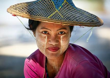 Tanaka The Beauty Treatment Of Myanmar Women Myanmar Tours
