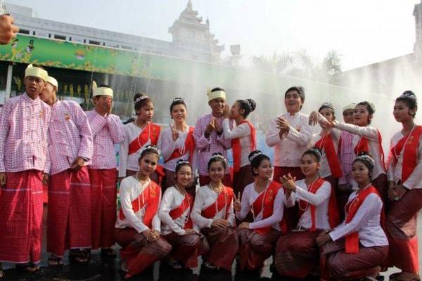 Myanmar Water Festival19