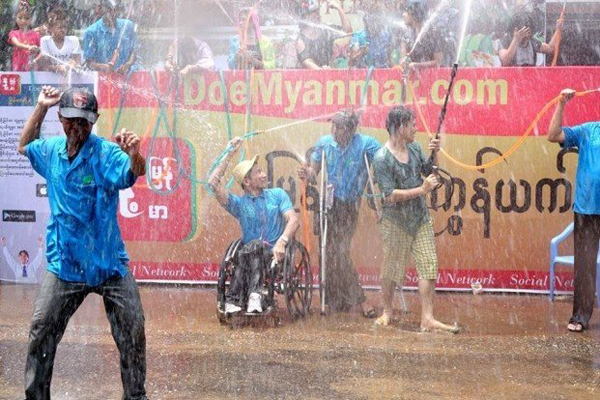 Myanmar Water Festival20