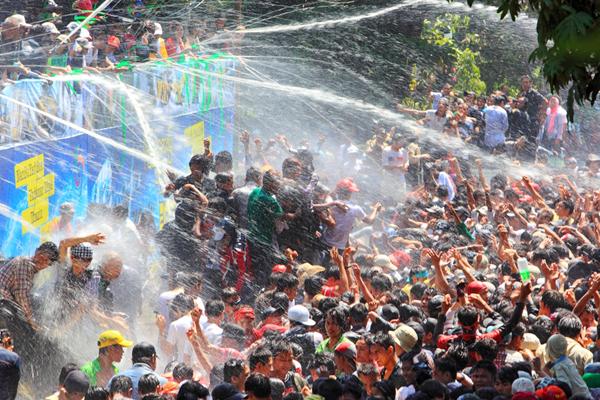 Myanmar Water Festival8