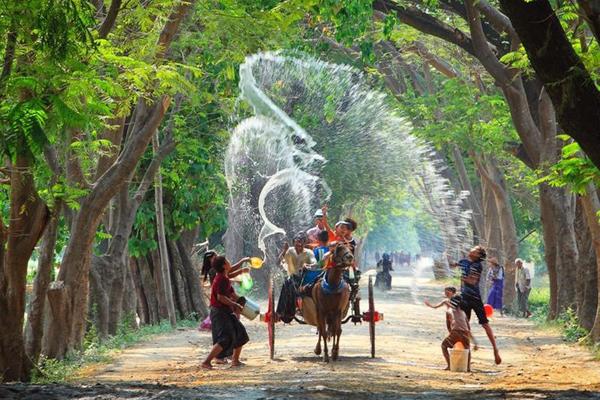 Myanmar Water Festival9