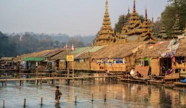 A rustic corne of Mann Shwe Settaw Pagoda Festival