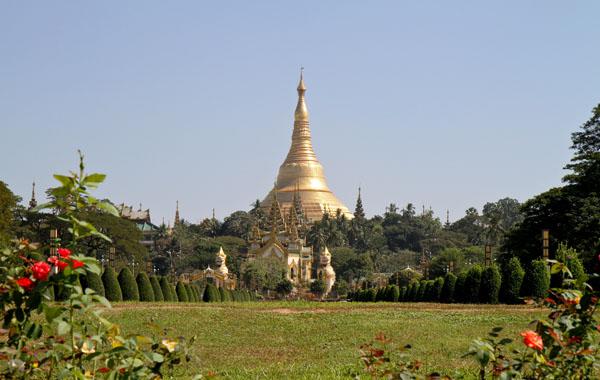 Scenic view of Shwedagon Pagoda, Yangon