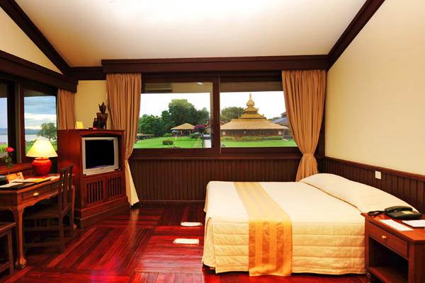 Deluxe Room in Thiripyitsaya SanctuaryResort