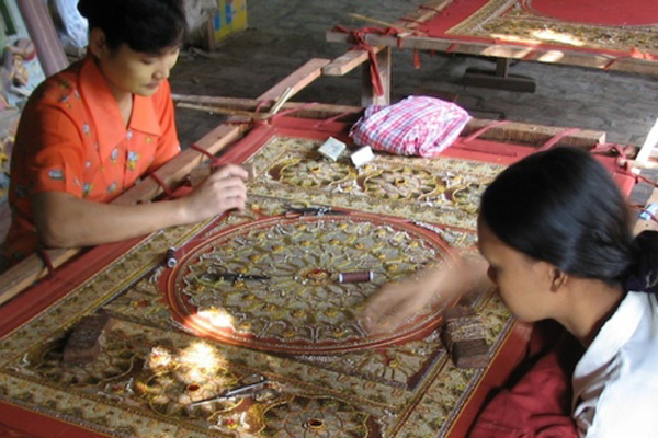Tapestry Workshop in Mandalay Myanmar