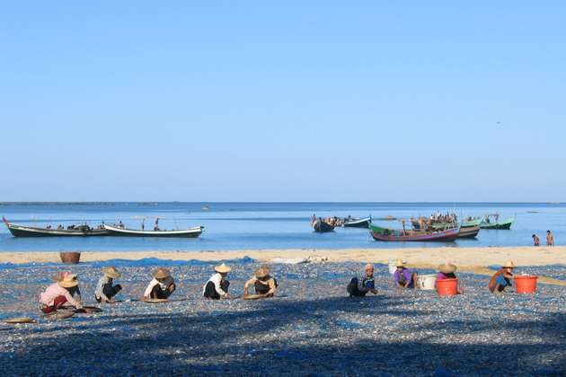 Daily life of Burmese people in Ngapali Beach