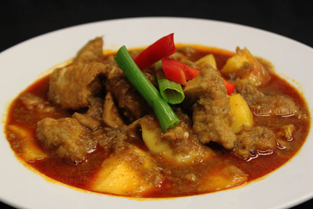 Myanmar curry dishes take plenty of influences from Indian cuisine