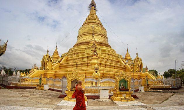 Golden Sandamuni pagoda