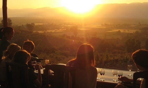 Tasting win and see the breathtaking sunset in Red Mountain Vineyard
