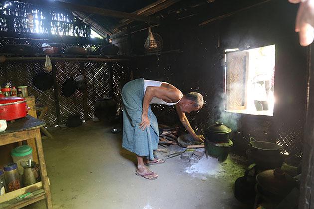 village in bagan - highlight of myanmar tours