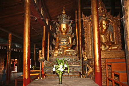 Buddha statues inside Ngaphechaung Monastery.