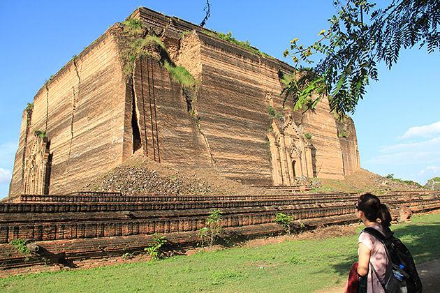 Burma Honeymoon tour to the Mingun Paya
