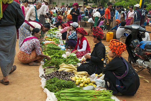 Inle Lake morning market