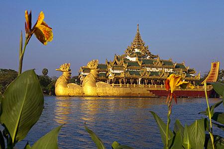 Karaweik Palace highlight of myanmar honeymoon vacation