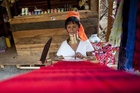 Kayah women weaving