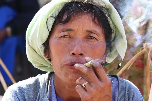 Myanmar cigars as souvenirs