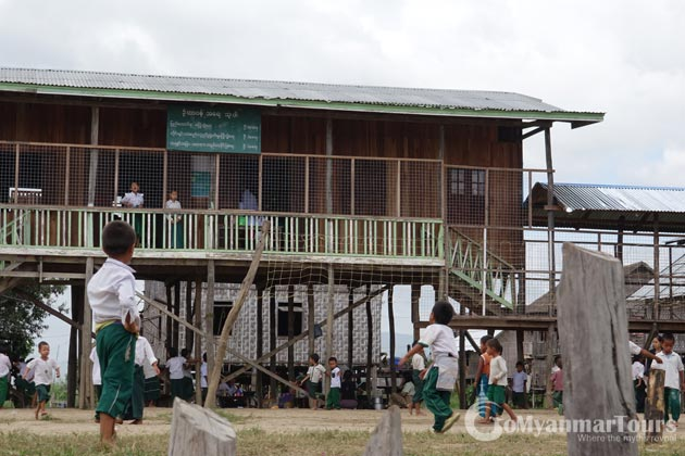 School in Inle Lake