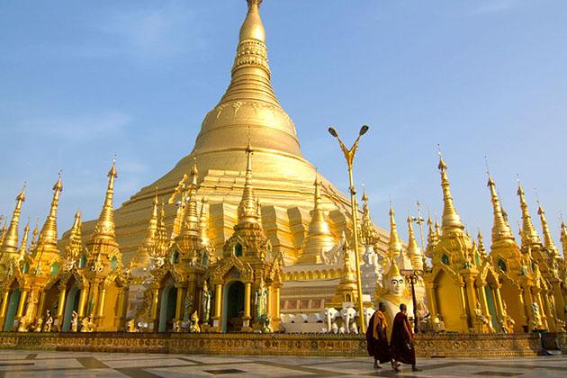 Shwedagon pagoda - the symbol of yangon