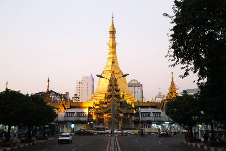 Sule Pagoda in the middle of colonial buildings