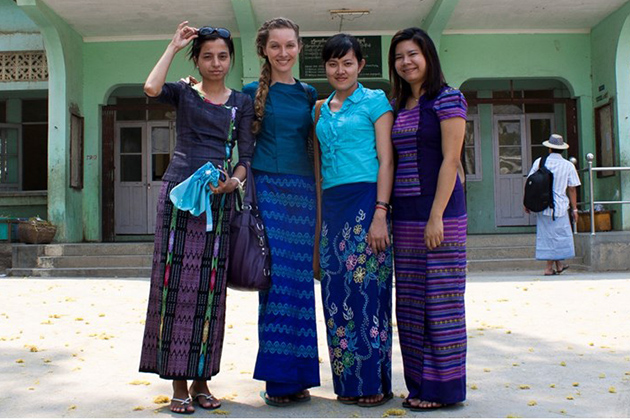 Traditional dress for Burmese women+