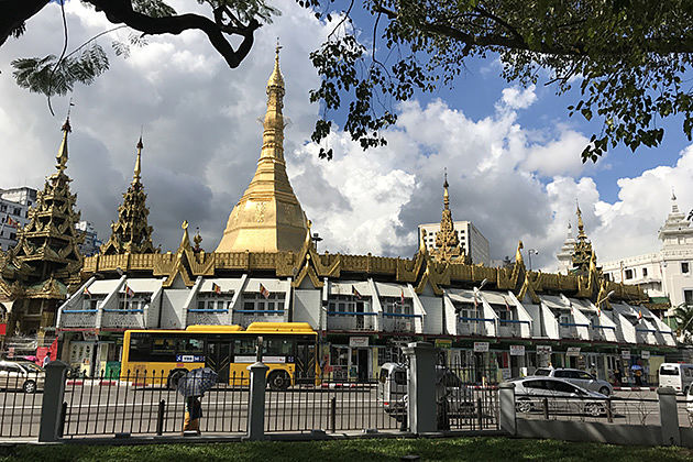 Visit Yangon Sule Pagoda in Myanmar tour 10 days