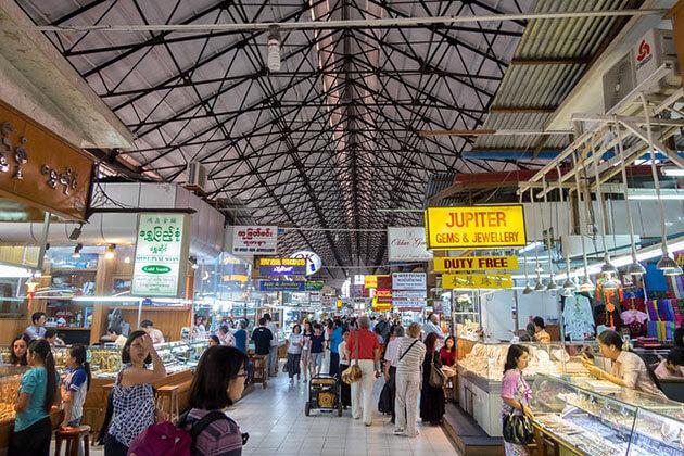 explore Bogyoke Aungsan market in Myanmar tour 5 days