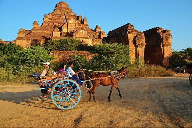 horse cart ride in Bagan
