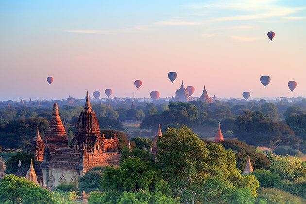 hot balloon ride over Bagan