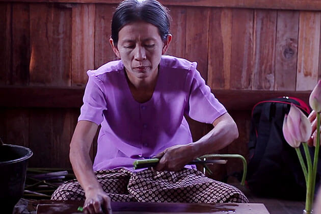 inle lake weaving village-Myanmar-itinerary-6-days
