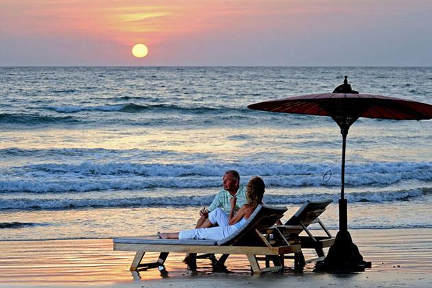 leisure honeymoon vacation in ngapali beach