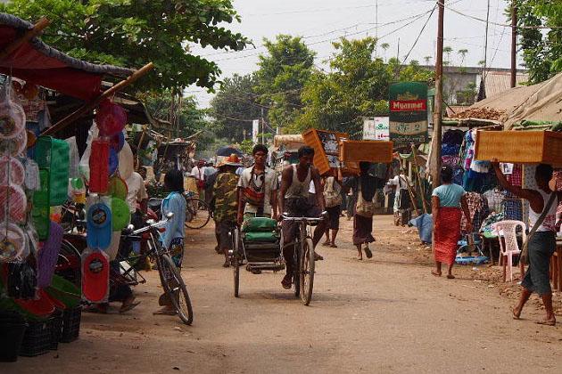 locals in Twante