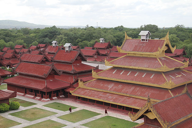 mandalay palace - one of the most popular mandalay attractions