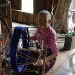 the old woman in weaving workshop-inle lake tour packagesthe old woman in weaving workshop-inle lake tour packages