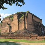 the unfinished mingun paya was built as one of the largest chedis in the world by King Bodaw Paya