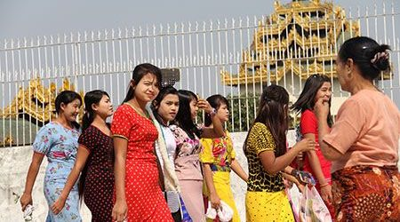 what to do and dont at public places in myanmar