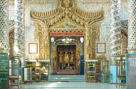 3 sacred Buddha statues in Pakoku Thihoshin Pagoda