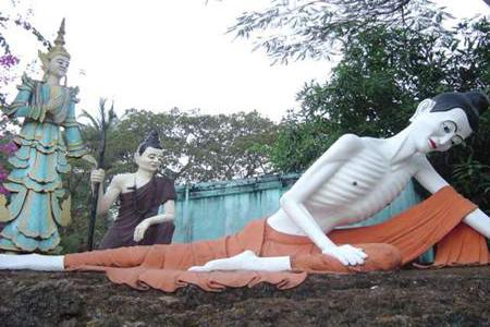 Buddha statues at Mae Lamu Pagoda