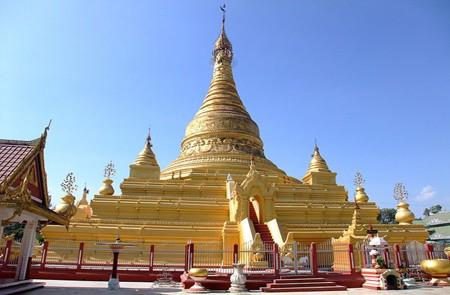 Eindawya Pagoda, Mandalay, Myanmar.