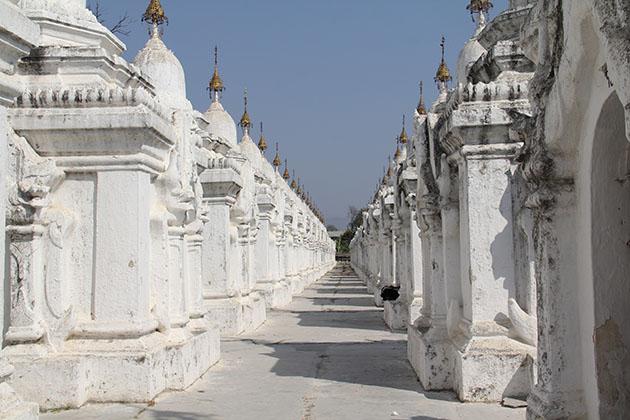 Myanmar Laos Vietnam itinerary to Kuthodaw pagoda