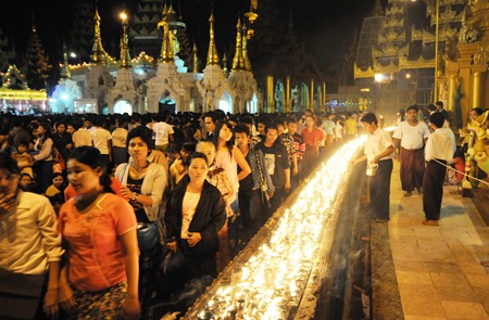 Shwedagon Pagoda Festival - One of the greatest festival in Myanmar.