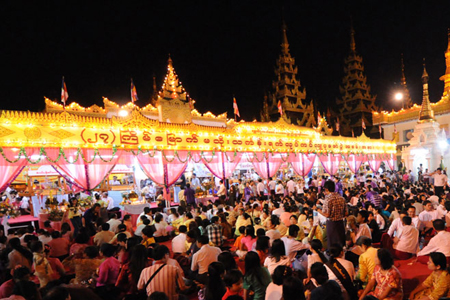 The full-moon festival Tazaungmone