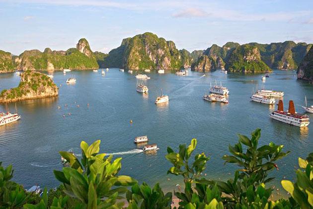 Visit Halong Bay in Myanmar laos vietnam tour