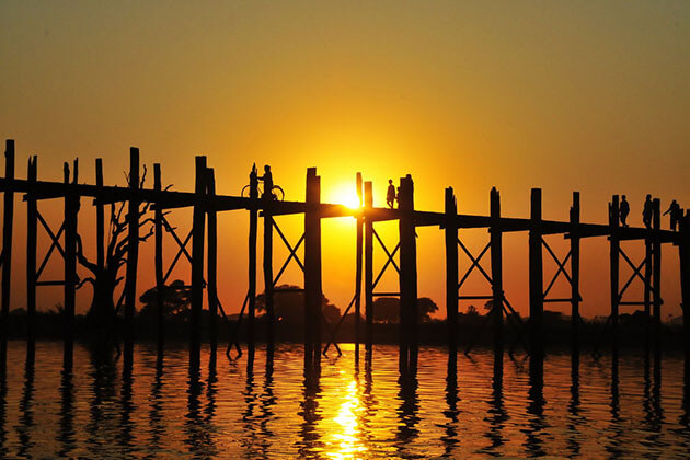 the gorgeous sunset on U bein bridge