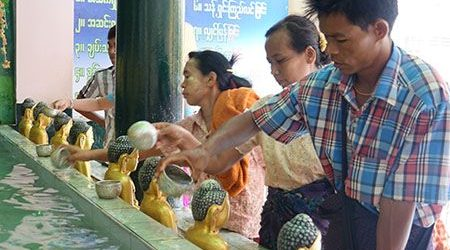 do and dont in myanmar - what to do in daily life of Burmese people