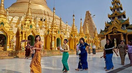 dos and donts in myanmar - thing do to when visiting a sacred place