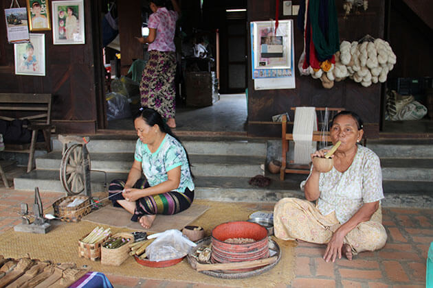 visit a local family in the village of Bagan