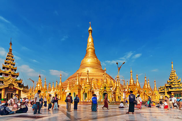 local pilgrim and tourists in shwedagon pagoda