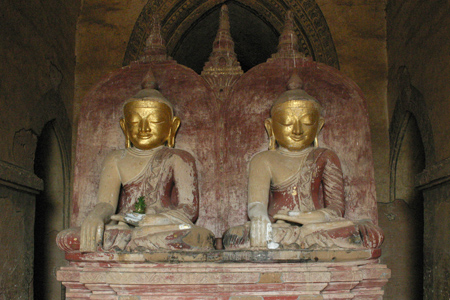 Buddha Statues inside the Dhammayangyi Temple