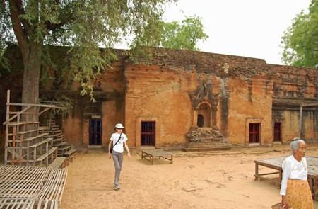 Kyansittha Umin Cave