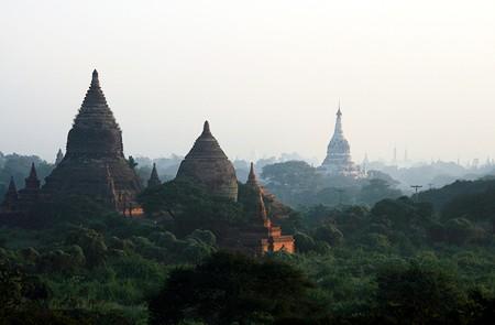 Nga Kywe Nadaung Pagoda